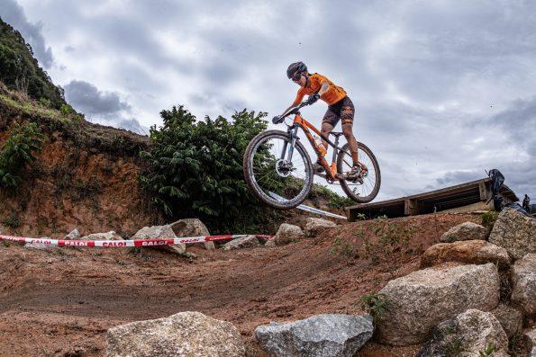 Hercilia Najara defende manto laranja e conquista 3º lugar do pódio no Campeonato Brasileiro de MTB 1